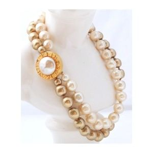 KARL LAGERFELD Strand Chunky Pearl Necklace Collar